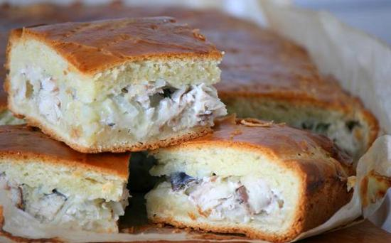 Пышный пирог с консервированной рыбой